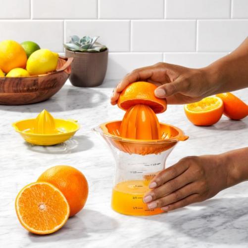 OXO Good grip 2-in-1 Citrus juicer